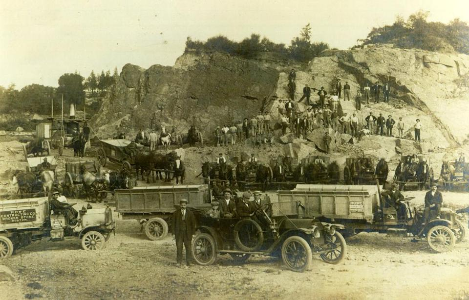 A turn of the century picture of a Brighton quarry, one of many run by the Rowe family.